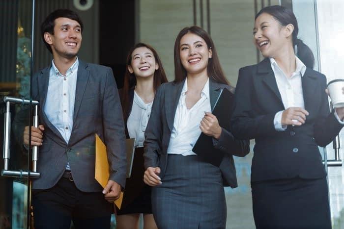 Kupas Tuntas Program Studi Finance yang Ada di LP3I dan Prospek Kerjanya
