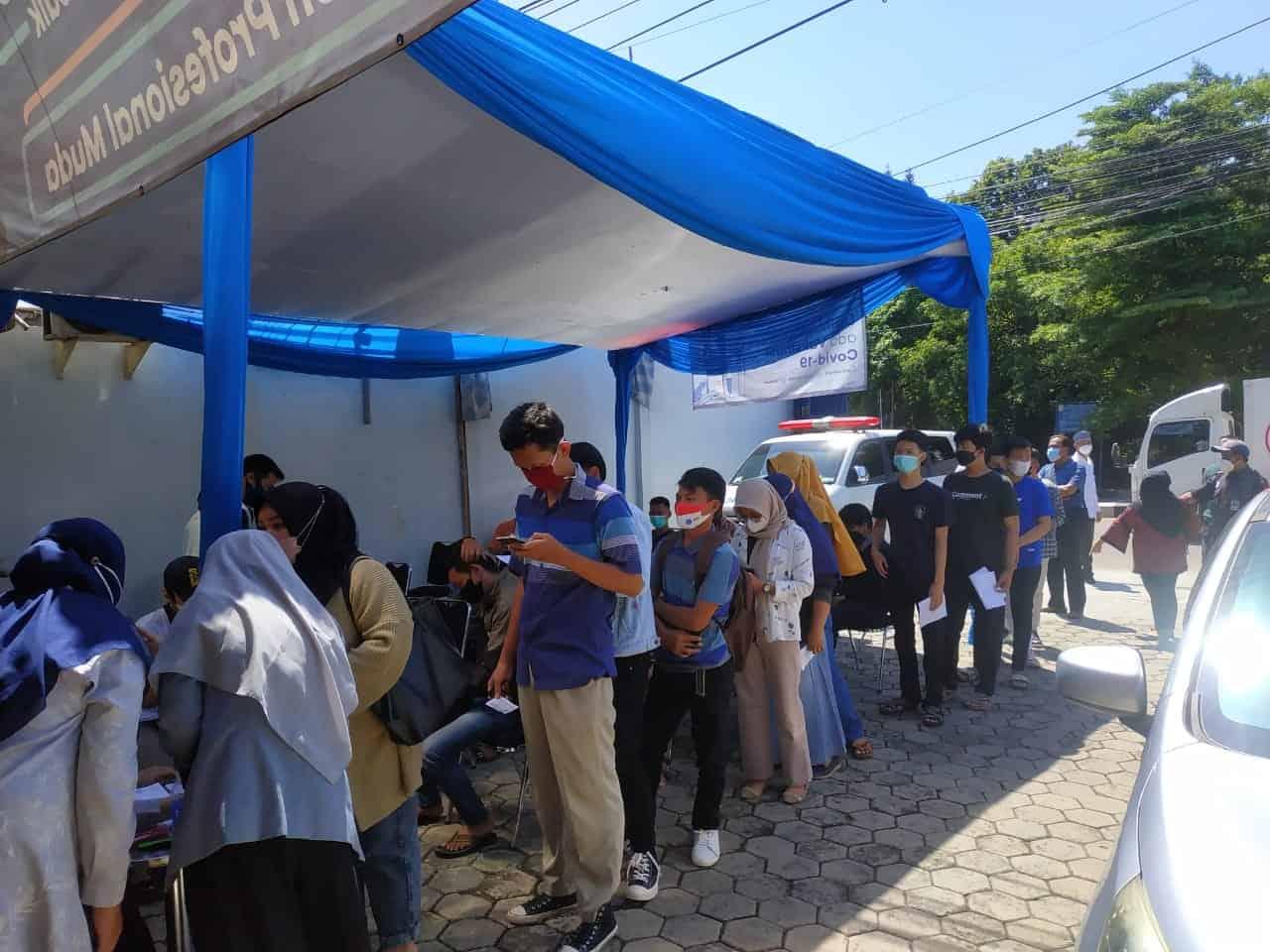 Politeknik LP3I Jakarta Kampus Depok Turut Mengadakan kegiatan Vaksinasi COVID-19